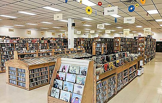 Half Price Books Hpb Rockford Outlet Rockford Il